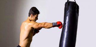 Ejercicios con saco de entrenamiento que trabajan todo el cuerpo