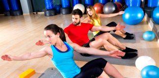 Los ejercicios de pilates en una colchoneta